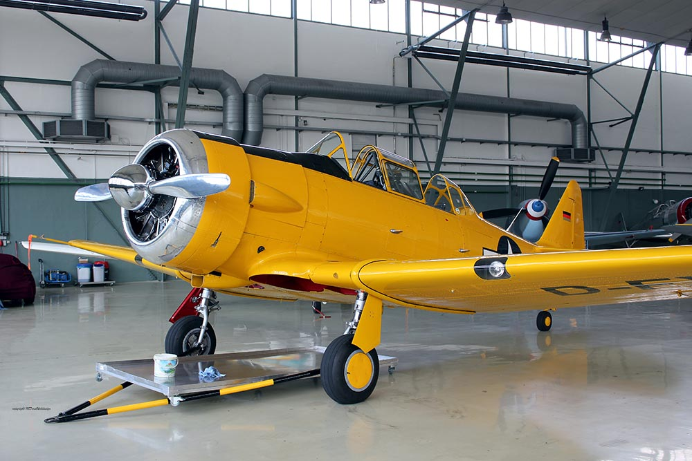 AT-6_D-FXXX_flight_2012-07-061.jpg