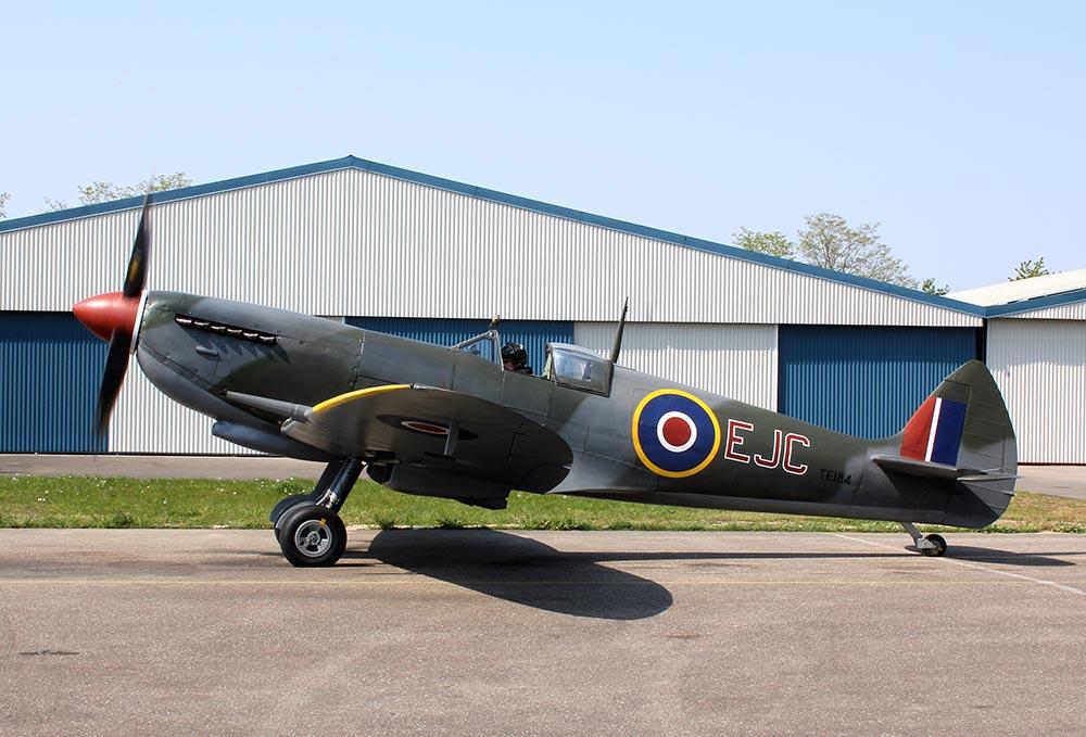 Spitfire_MkXVI_TE184_2011-04-2017.jpg
