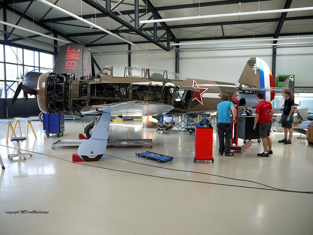 Yak-11_D-FYWM_2012-09-136.jpg